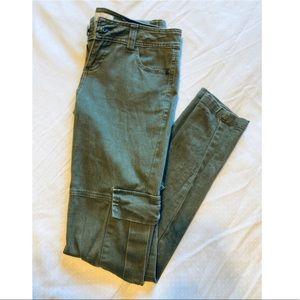 Jalate• Green Cargo Pants